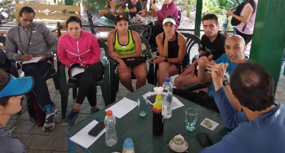Participantes intercambiaron ideas el sábado 16 de febrero en el cafetín Las Corocoras en el Parque del Este/Foto Janett Noto